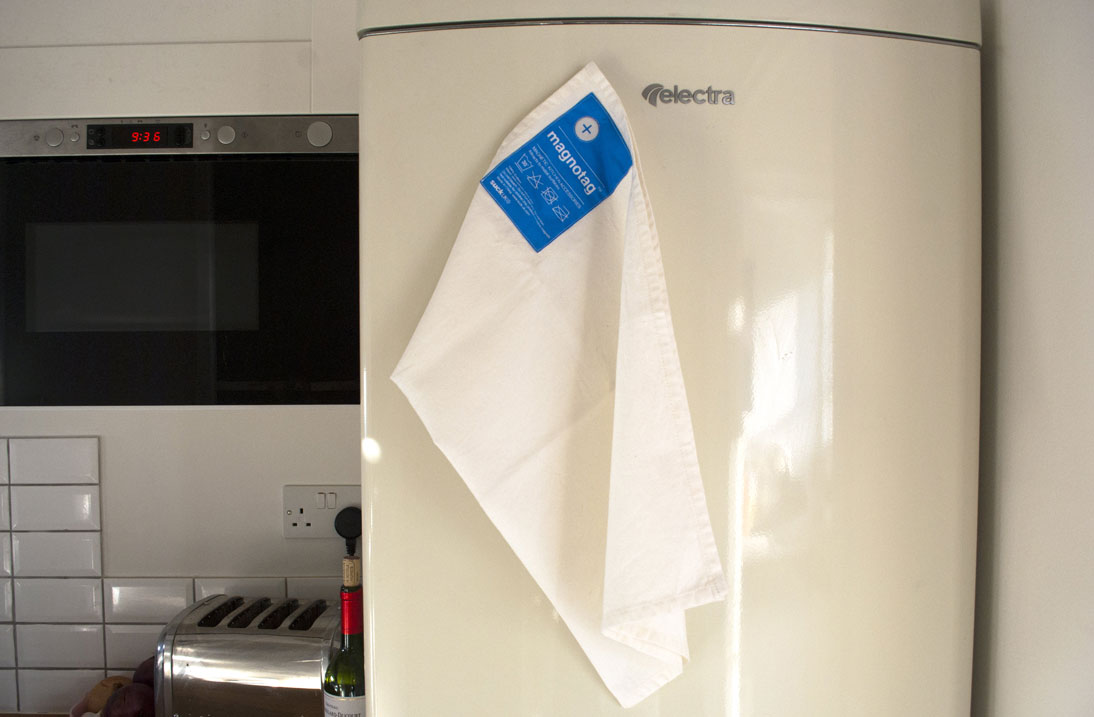 magnotag-magnetic-towel-corner